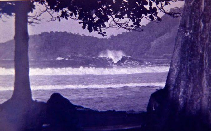 Cantão de Laranjeiras quebrando gigante e perfeito em 1978, Trindade (RJ)