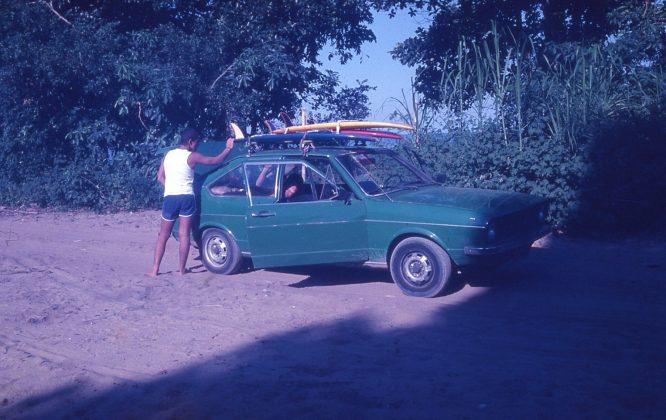 Augusto e Bruno na Vila da Trindade, 1977