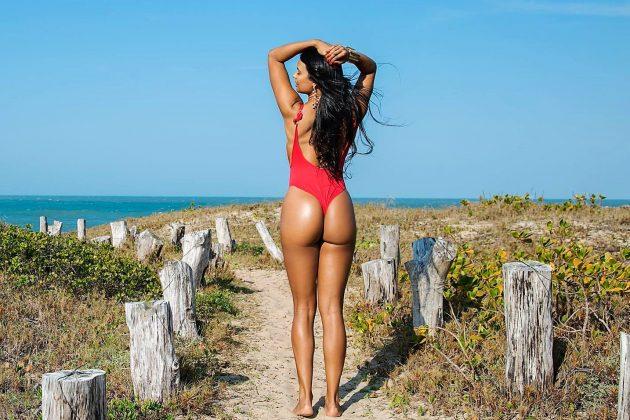 Andreza Chagas, praia da Silveira, Garopaba (SC).