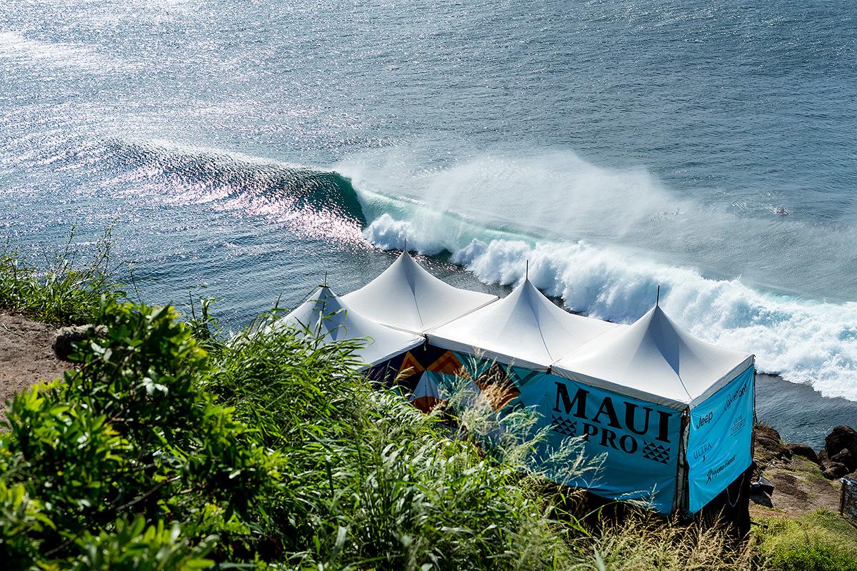 Honolua Bay é o palco do Maui Pro apresentado pela Roxy.