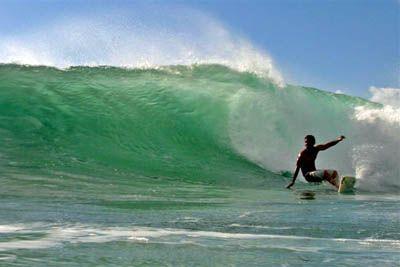 Derek Ho, V-land, North Shore, Oahu, Hawaii. Foto: Bruno Lemos / Lemosimages.com.