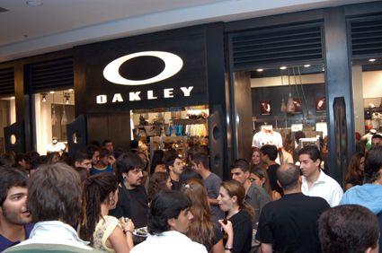 19d6048c11260 Oakley inaugura loja em São Paulo - Waves