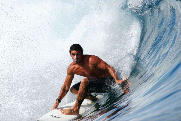 Leo Neves, Magic Pass, Tahiti. Foto: Aleko Stergiou.