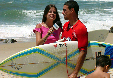 Se vencer o circuito este ano, Léo Neves (ou qualquer um dos semi-finalistas) irá usar a camisa de ouro em 2003. Foto: Ricardo Macario.