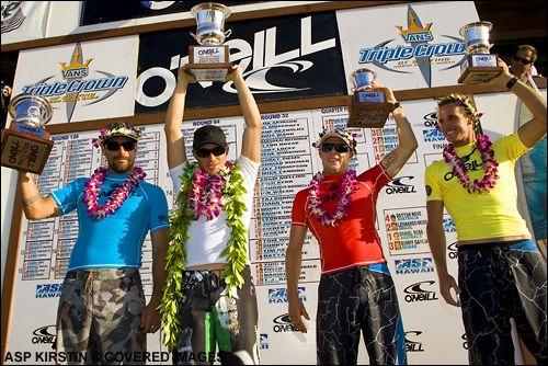 Leo Neves, Makua Rothman, Mick Fanning e Daniel Ross, O´Neill World Cup of Surfing 2007, Sunset, North Shore de Oahu, Hawaii. Foto: WSL / Kirstin.