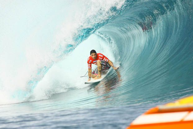 Leo Neves, Billabong Pro Tahiti 2008, Teahupoo. Foto: Aleko Stergiou.